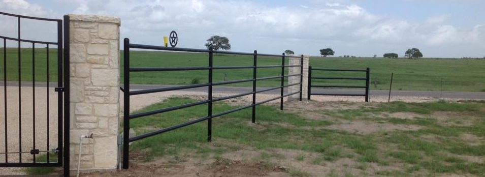 Hill Country Fence Builder Cmw General Contractors
